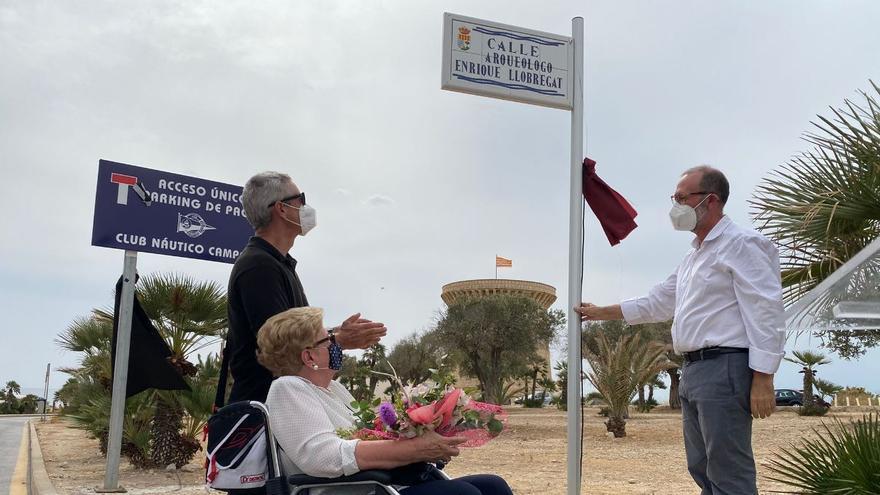 El arqueólogo Enrique Llobregat ya tiene su calle junto al yacimiento de la Illeta
