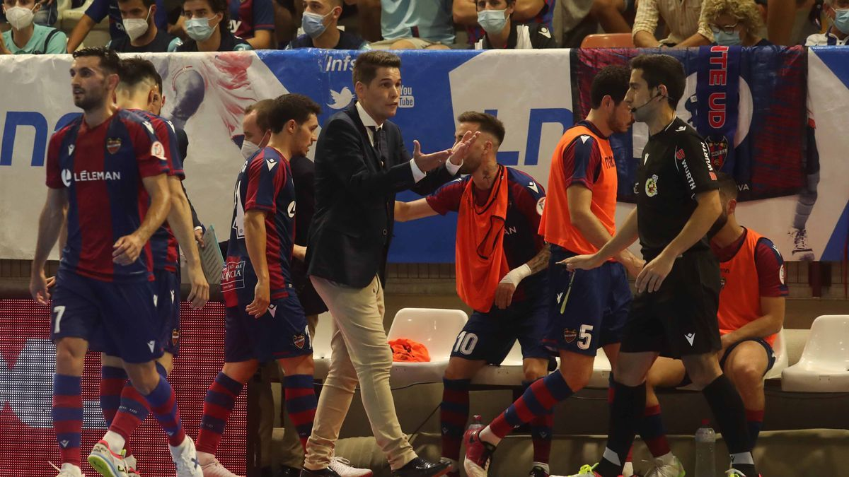 Diego Ríos, en la final ante el Barça en Paterna