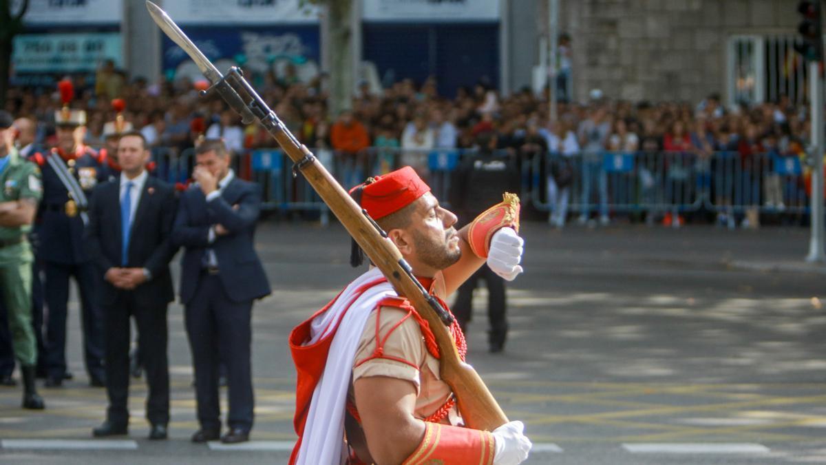 Militares participantes en el desfile del Día de la Fiesta Nacional.