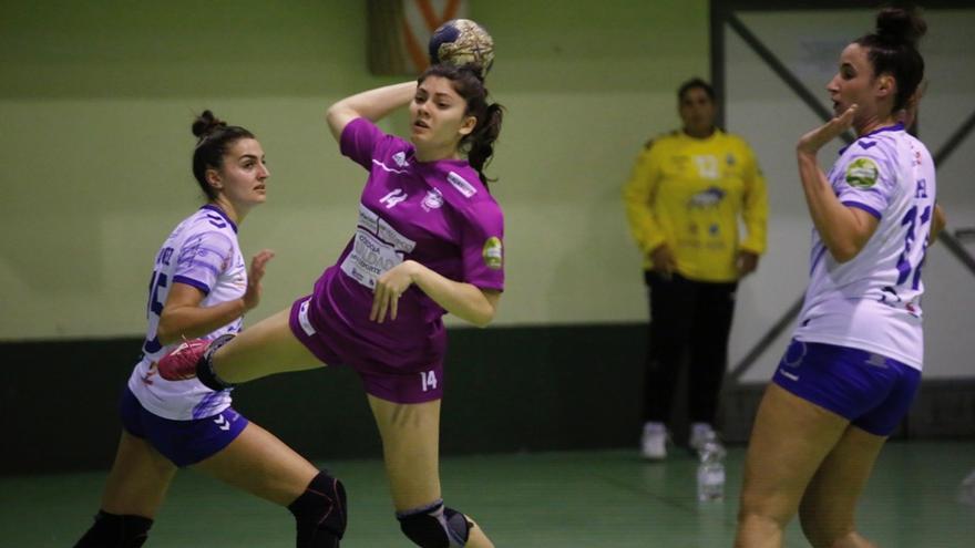 Lucía Vacas quiere que el Adesal no haga cuentas y se centre en luchar cada balón