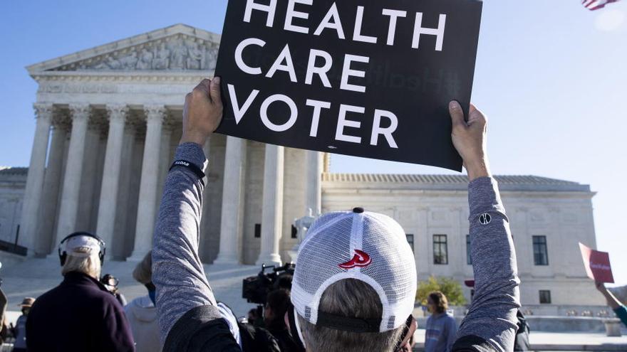 El Supremo insinúa que salvará la Obamacare