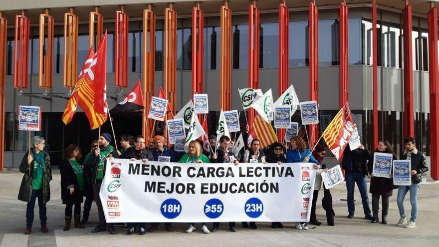 Los sindicatos exigen de nuevo la reducción de las horas lectivas de los docentes en Aragón