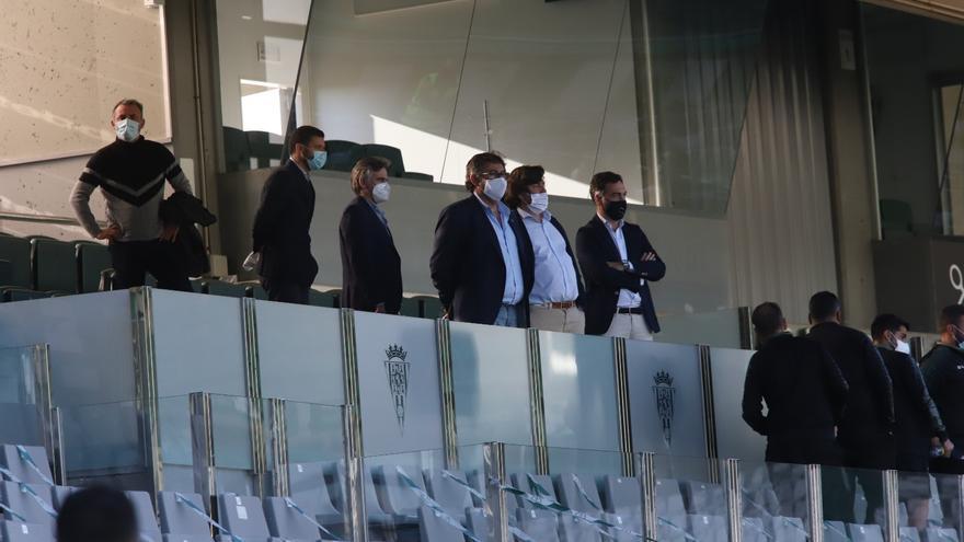El Córdoba CF se reúne para valorar la situación del equipo y de Alfaro