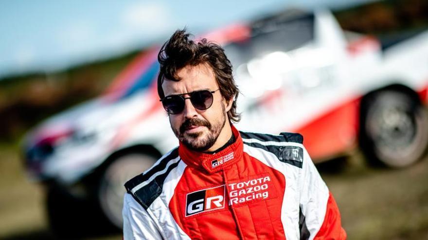 Fernando Alonso tendrá de copiloto a Marc Coma en su camino al Rally Dakar