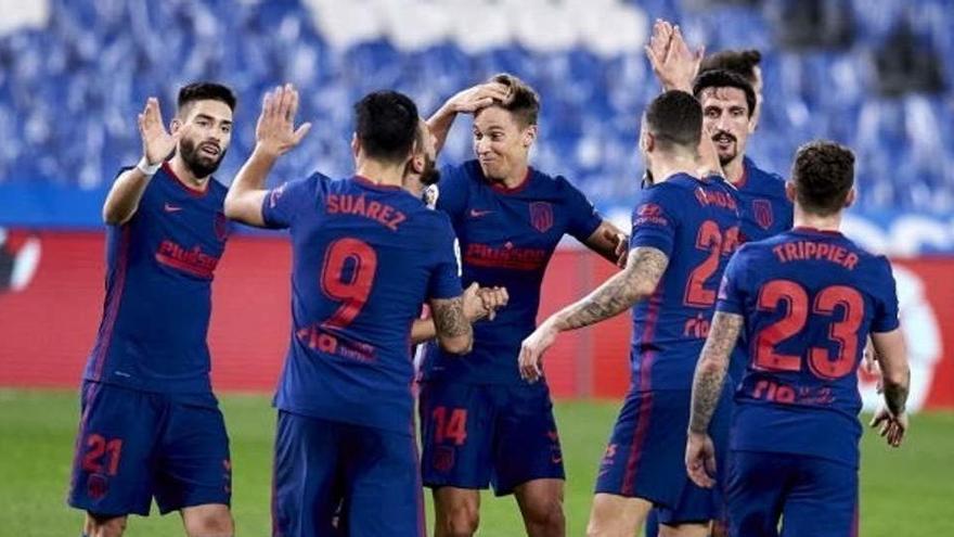 El Atlético, más líder al ganar a domicilio a la Real Sociedad