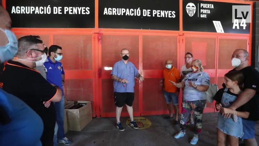 Así abandonó la Agrupación de Peñas la sede en Mestalla