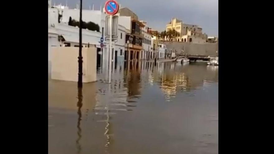Rissaga lässt Meeresspiegel bei Ciutadella um anderthalb Meter schwanken