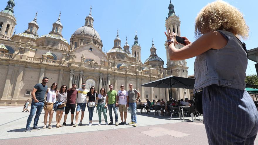 El Pilar de Zaragoza recupera la alegría, el calor y el turismo