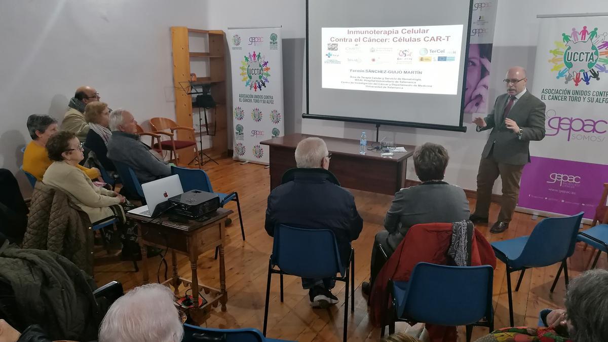 Conferencia sobre el cáncer organizada por la asociación Uccta en Toro