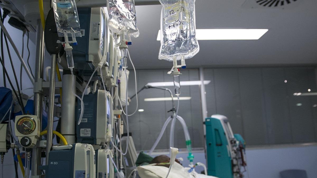 Andalucía suma 7.070 casos de covid, 1.200 más que el domingo pasado, y 25 muertos