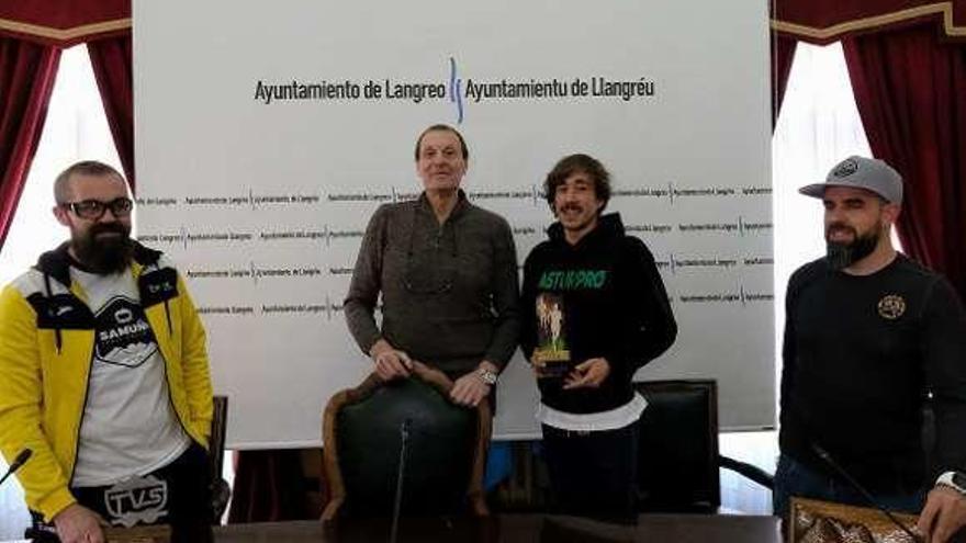 Langreo homenajea a Andrés García