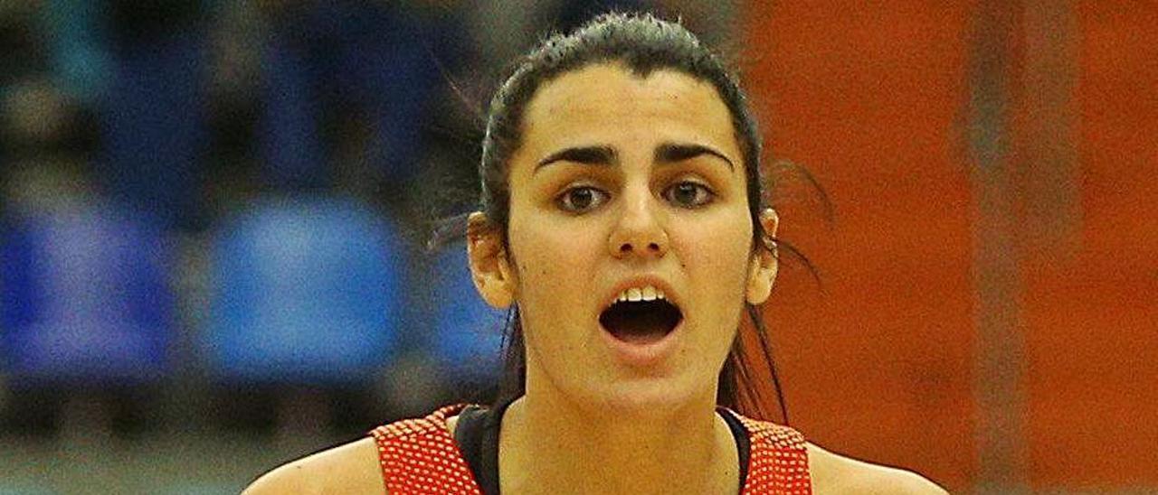La grancanaria Leticia Romero, durante un partido con España.     EFE