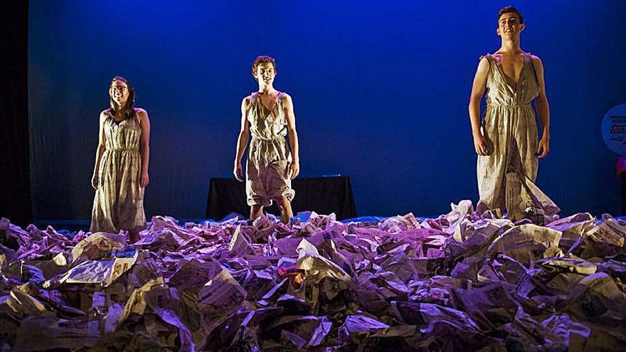 Estudiants de Villena i el Campello triomfen als premis de teatre jove