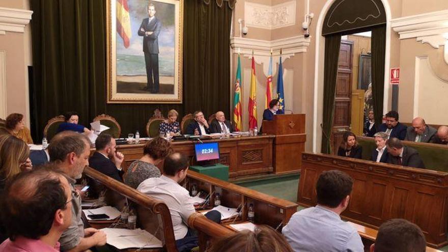 El pleno de Castellón acuerda el cese de Ali Brancal