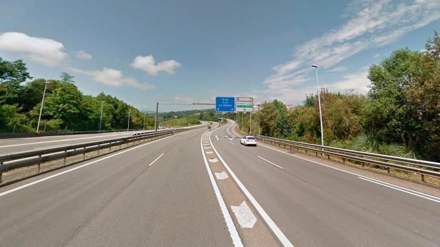 Muere un motorista de Barcelona tras accidentarse en la autovía de Grado a la altura de Oviedo