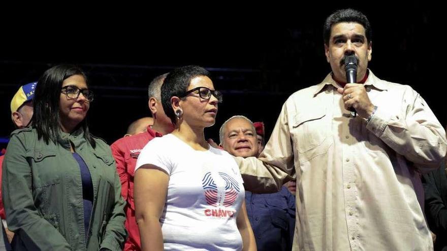 Maduro copa los municipios y amaga con dejar fuera del juego a la oposición