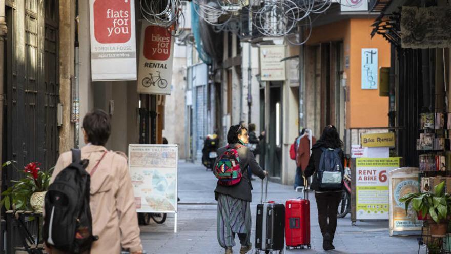 El 40% de pisos turísticos son ilegales, según los vecinos