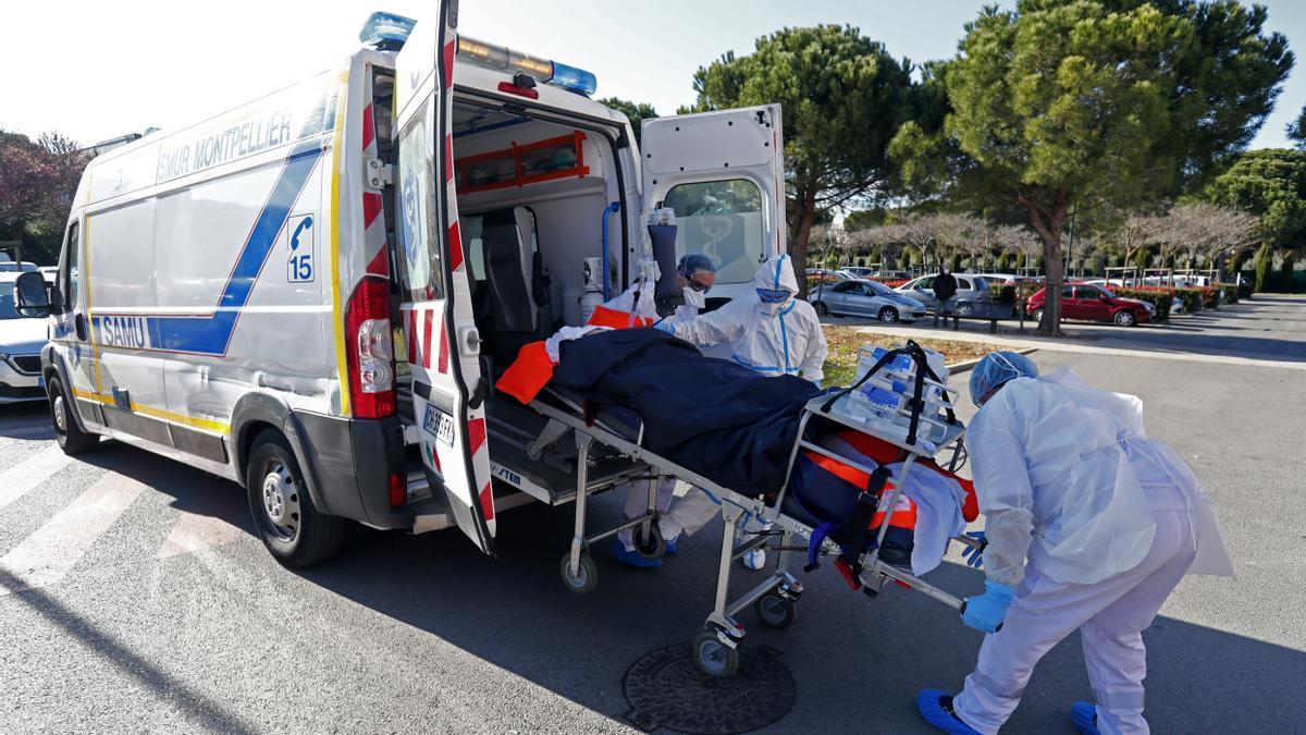 Francia pasa la barrera de 100.000 muertos.
