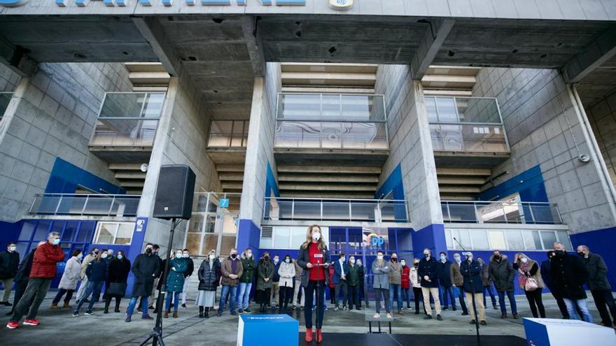 El deporte asturiano reclama la vuelta a los entrenamientos y el inicio de las competiciones en una concentración en el parking del Tartiere