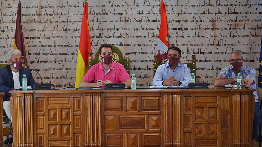 Benavente pide que la Junta asuma el coste de la higienización de los colegios