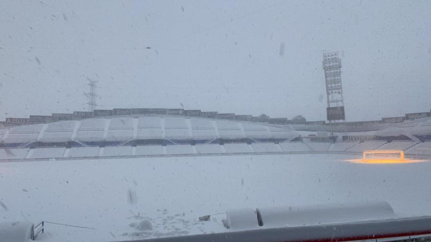La nieve en Madrid aplaza  a mañana el Elche-Getafe
