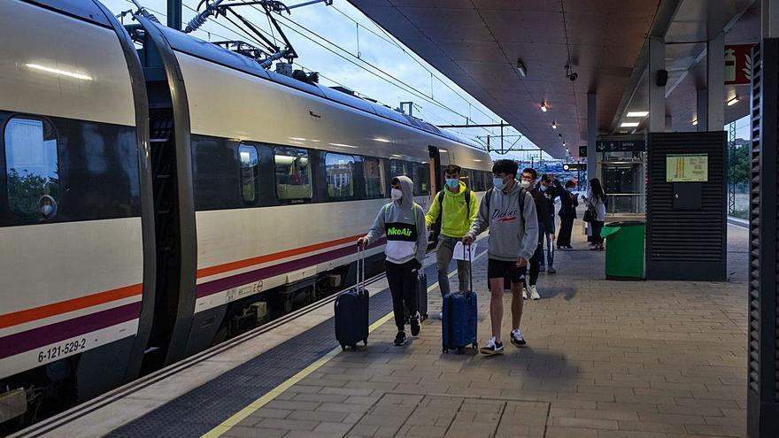 El tren madrugador de Zamora inicia su segunda etapa con el 28% de sus 280 plazas ocupadas
