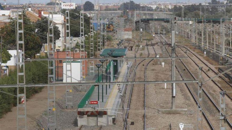 Adif proyecta varios apartaderos en las vías del tren en Córdoba para facilitar el transporte de mercancías