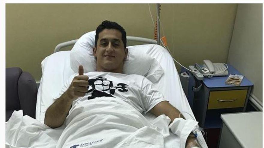 Nicolás Almagro estará dos meses de baja tras pasar de nuevo por el quirófano