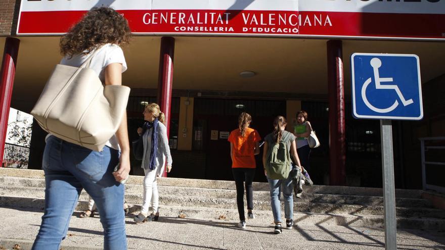 Educación garantiza que mantendrá la plantilla de profesores de las Escuelas Oficiales de Idiomas