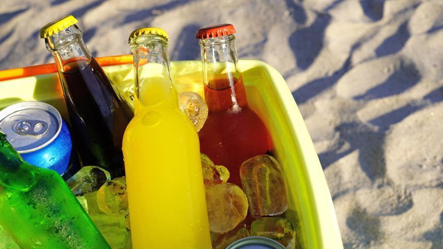Cómo mantener las bebidas frías en verano sin necesidad de nevera