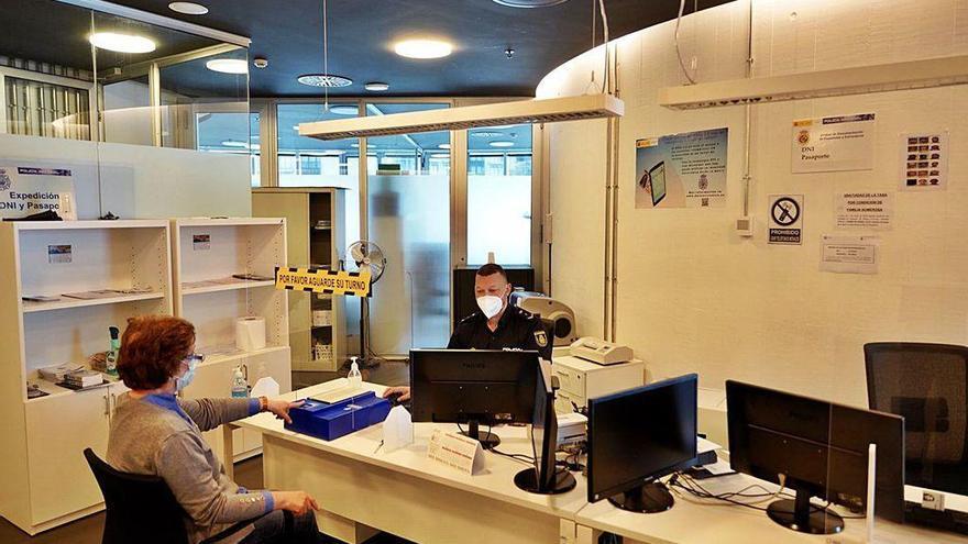 La comisaría de Lalín cumple un lustro con un promedio mensual de 544 DNI expedidos