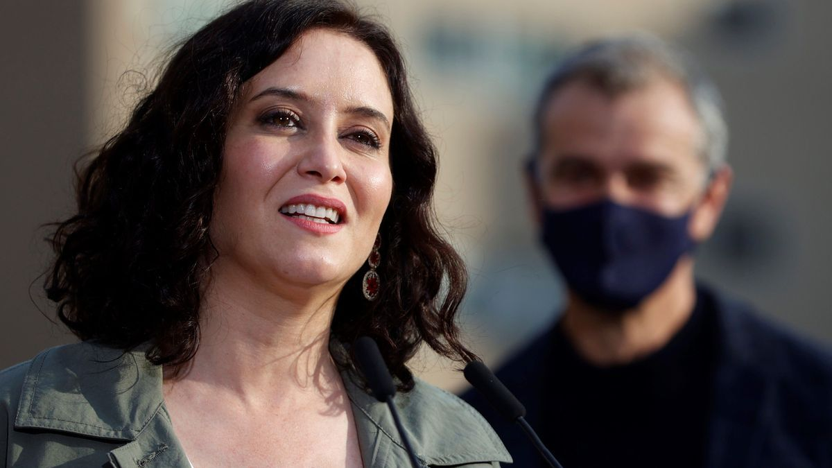Isabel Díaz Ayuso en un acto de campaña.