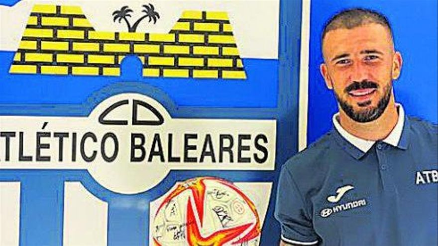El Atlético Baleares pierde a Dioni dos partidos por su expulsión ante el Linares