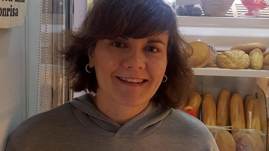 Mª Carmen López: «Tenemos que cuidar y comprar en el pequeño comercio de barrio»