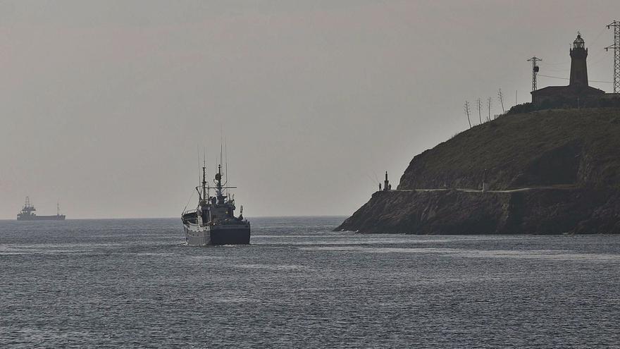 Un dragado de tres semanas despejará el canal del Puerto por cuatro años