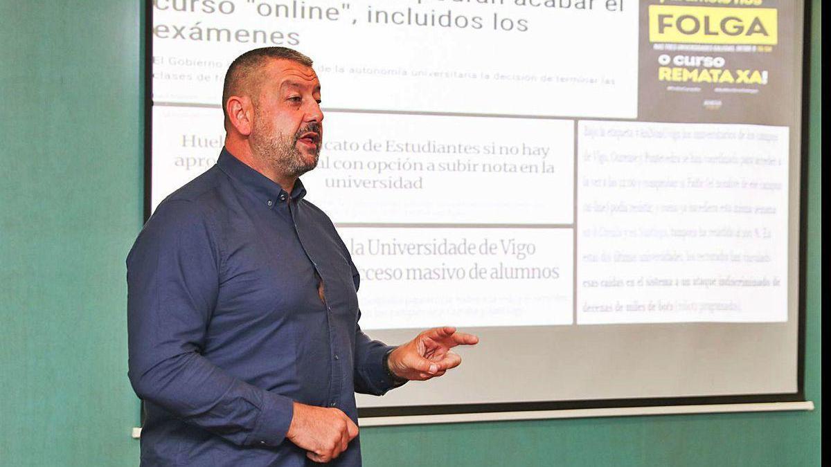 José Carlos López Ardao, profesor da Universidade de Vigo, onte no obradoiro impartido no foro.