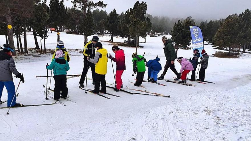 La Cerdanya reprèn i allarga fins entrat el març el pla d'esquí escolar