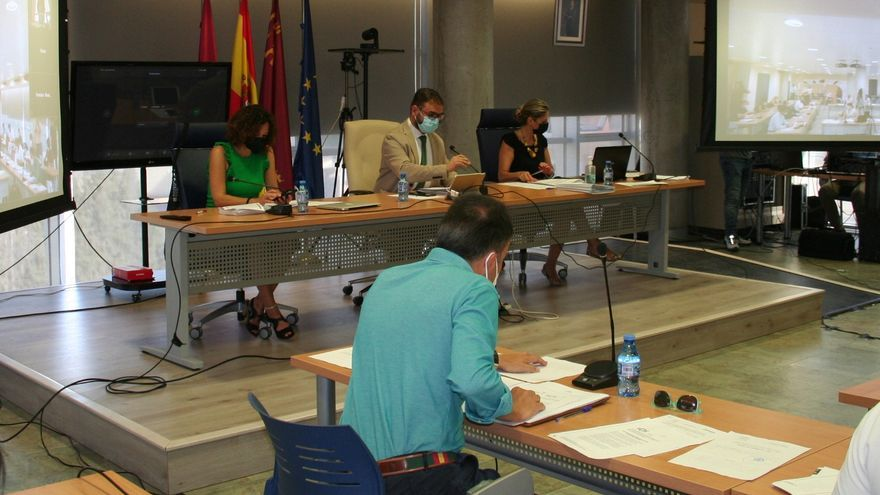PSOE y PP de Lorca vuelven a acusarse de gastar los 9 millones de Iberdrola