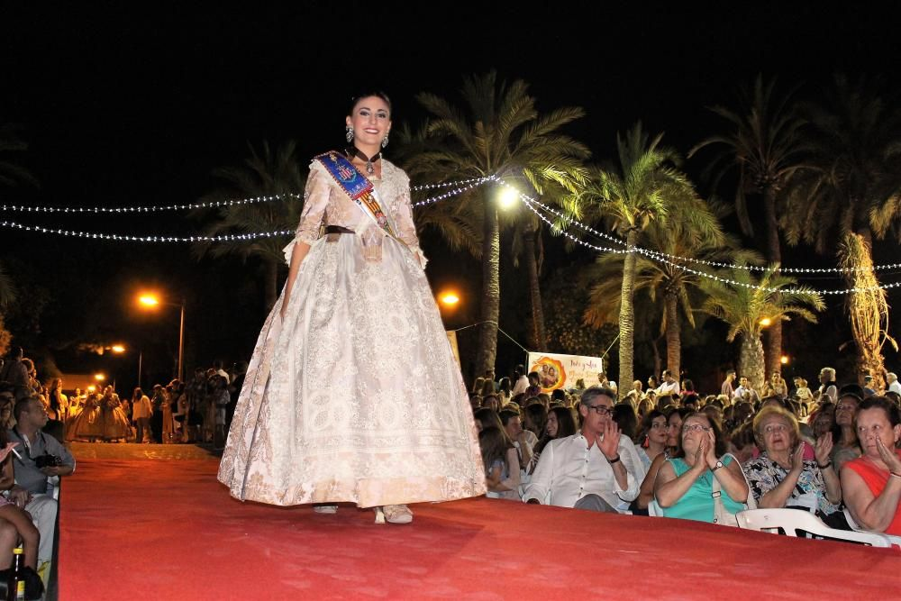 El desfile de la corte mayor. María Pérez