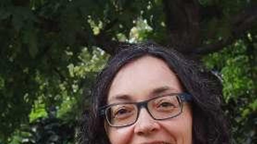 """Celia Pereira Porto: """"El voto de diputados como Otero Pedrayo o Ramón Franco también hizo posible el sufragio femenino"""""""