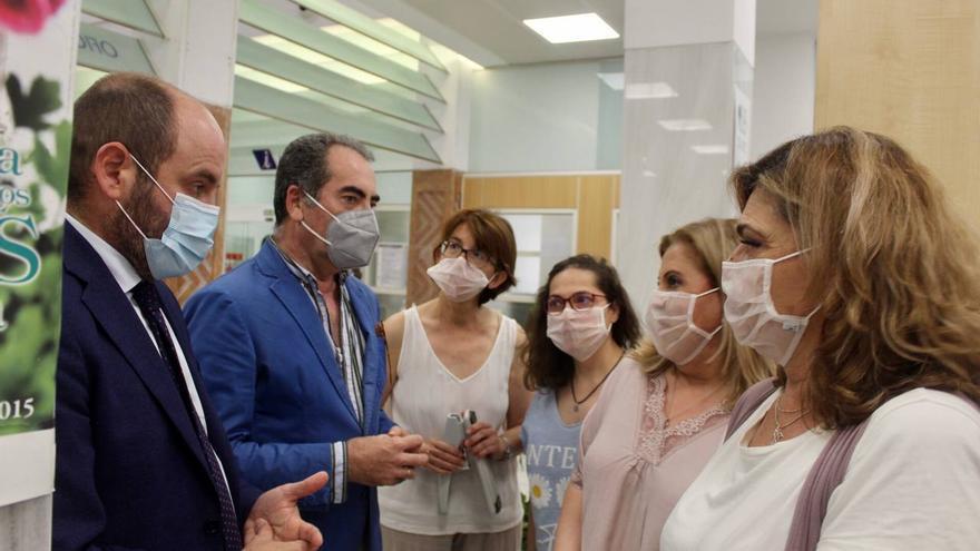 El personal de la Oficina de Atención Ciudadana llevará mascarillas transparentes para facilitar la comunicación con las personas con discapacidad auditiva