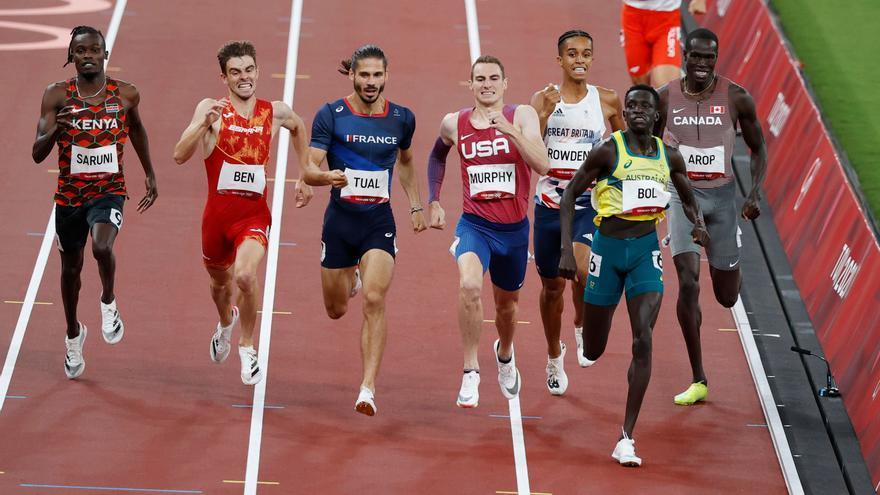 Adrián Ben se regala un diploma al terminar quinto en la final de los 800 metros