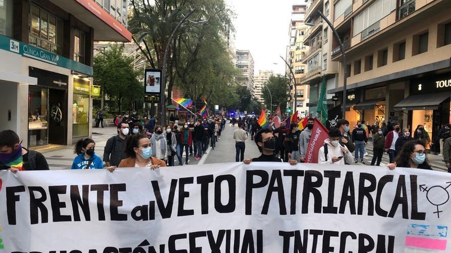 Más de un centenar de personas reclaman educación sexual frente al pin parental en Murcia