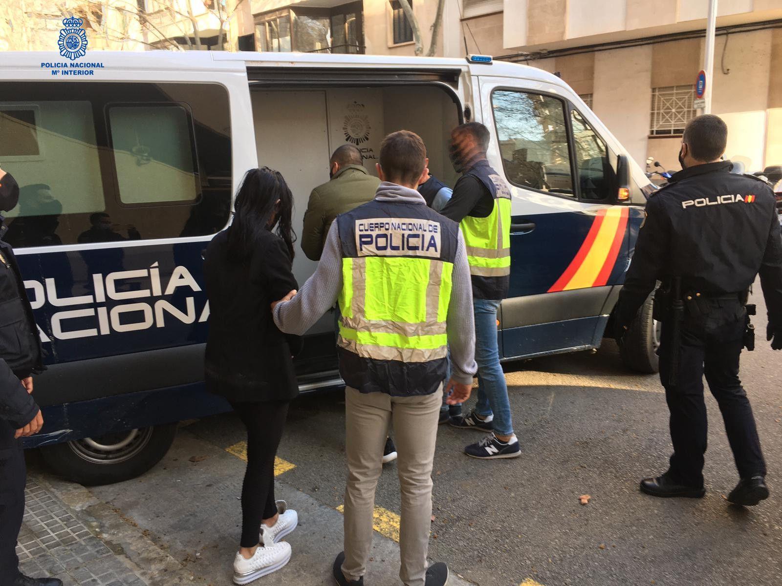 Desarticulado un grupo criminal que estafó más de 130.000 euros con créditos fraudulentos
