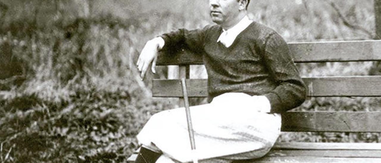 Walter Hagen, sentado en un descanso durante un torneo