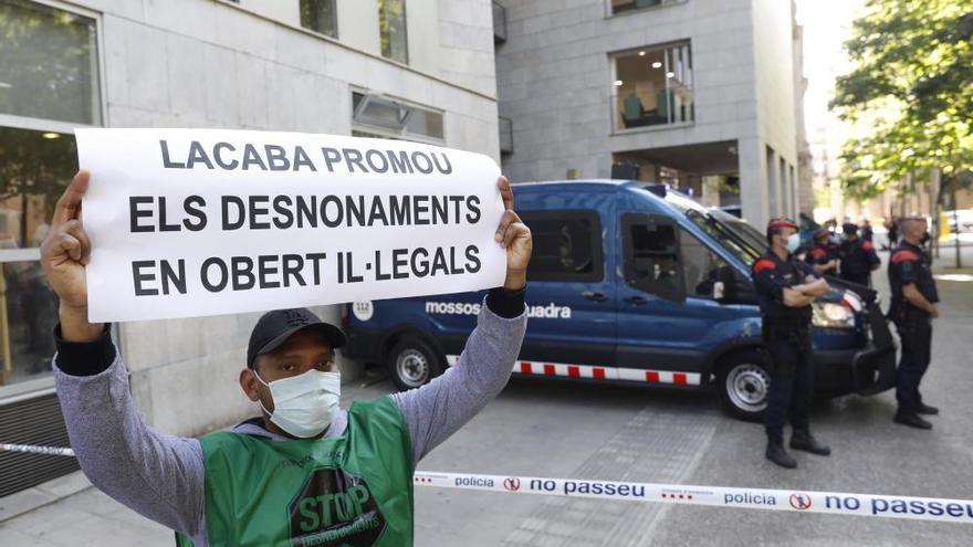 La PAH denuncia «una allau» de desnonaments sense data a Girona