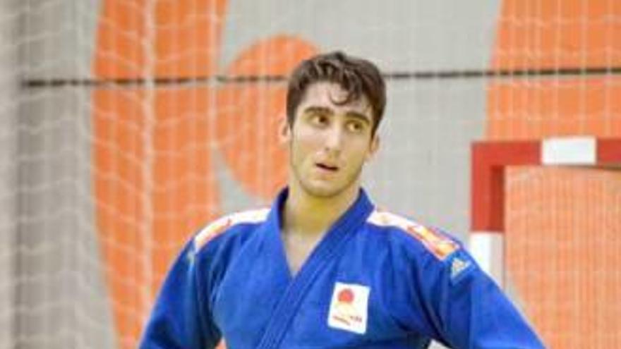 Alberto Varela inicia con una plata la nueva campaña de judo