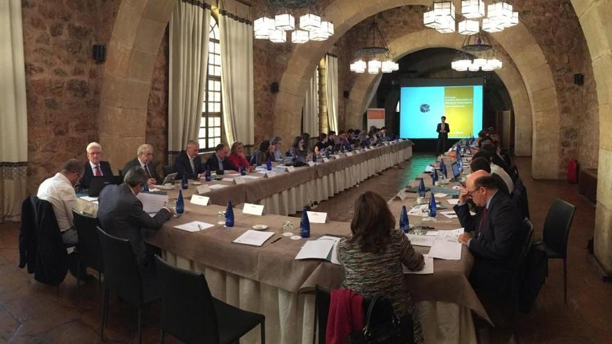 """Farmaindustria alerta de """"nubarrones"""" en el sector del medicamento por la crisis catalana"""