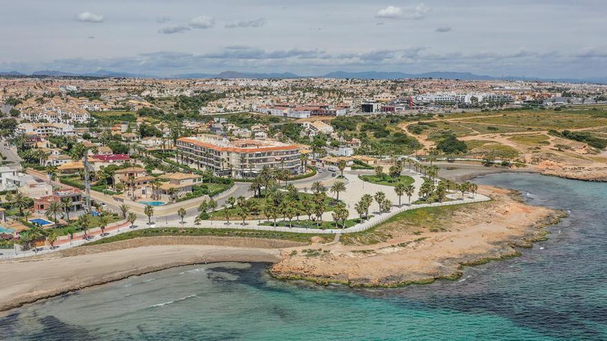 Orihuela intenta por segunda vez vender tres solares urbanos en Orihuela Costa por 21 millones