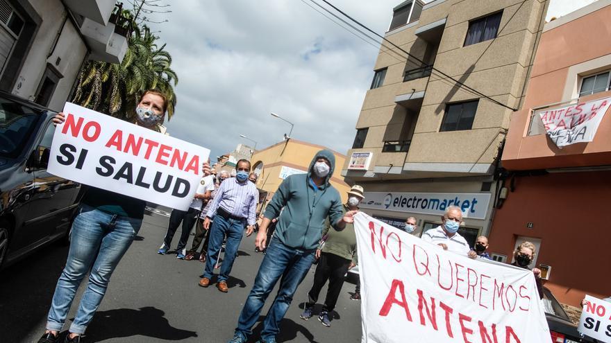 Protesta en Lomo Los Frailes por la colocación de antenas